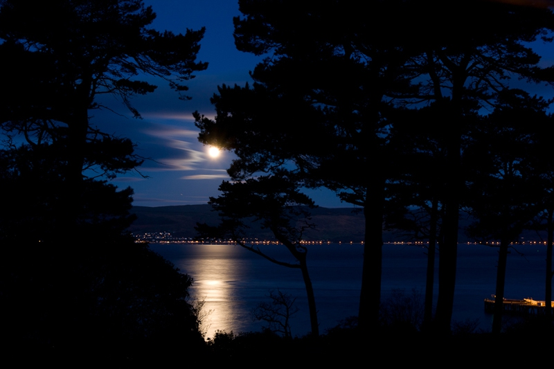 moon-shining-over-the-firth-of-clyde